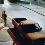 Momento exacto del robo de una camioneta en Bellavista, Zacatecas.