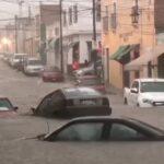Tremenda tromba afecto a varios hogares y vehículos en Lagos de Moreno